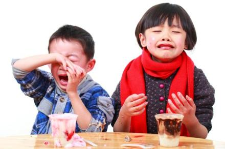 600-15317589-kids-crying-for-more-ice-cream